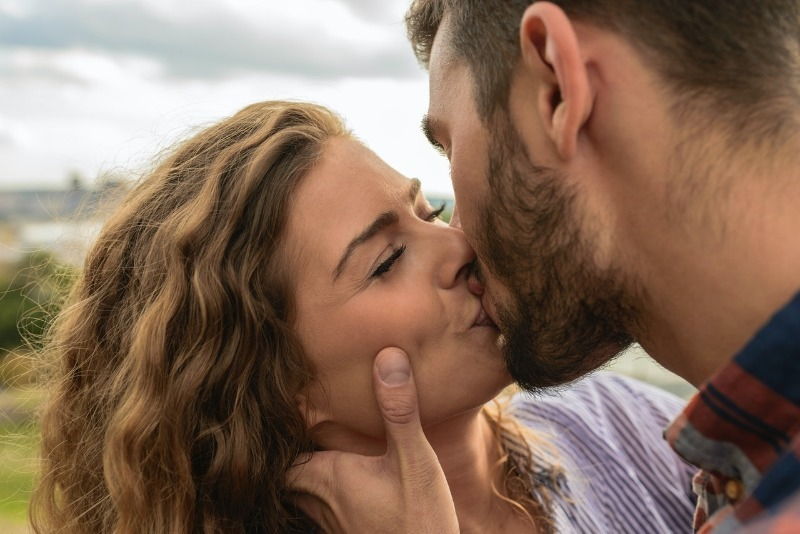 Как правильно вести себя с мужчиной
